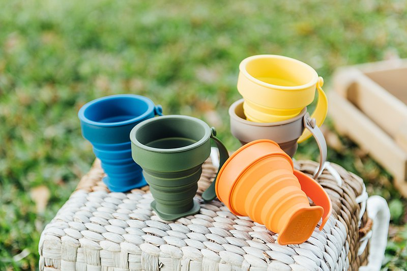 (5pcs Party Set) Picnic Outdoor Travel Party Portable Foldable Slicone mug cup