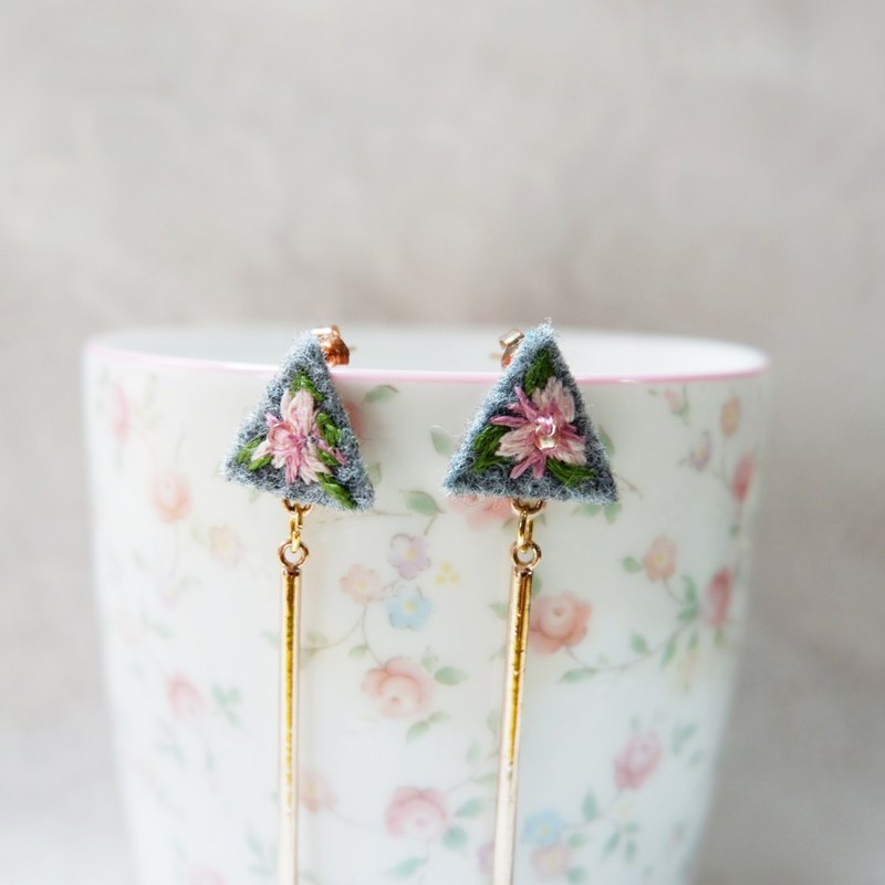 Cute hand embroidered flower dangle earring
