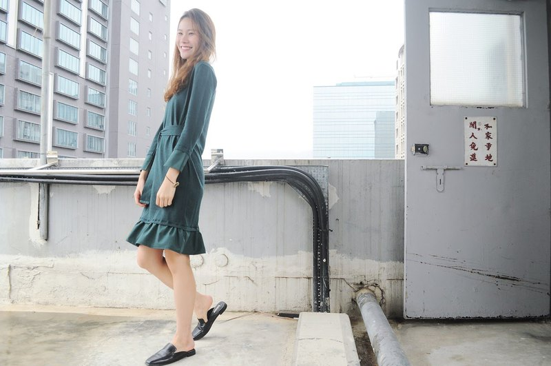 TAKE - Dark green ruffled knitted dress