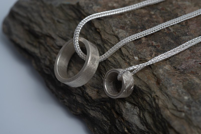 Foxtail necklace with handmade silver ring pendant (N0118)
