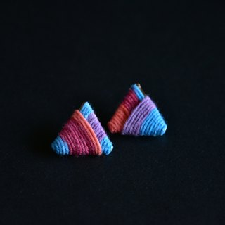 Zhen girl shop original independent design handmade handmade wool weaving hit color stripes triangle earrings blue
