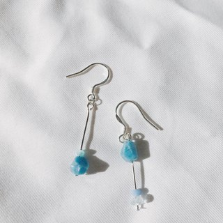 Water drop earring with light blue stone