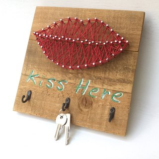 [6618 yo tail] KISS HERE key entrance wall hook Valentine wedding gift new housing