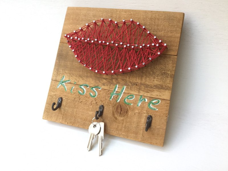 Entrance Keychain KISS HERE Entrance Key Wall Hook Valentine's Day Wedding New Home Gift