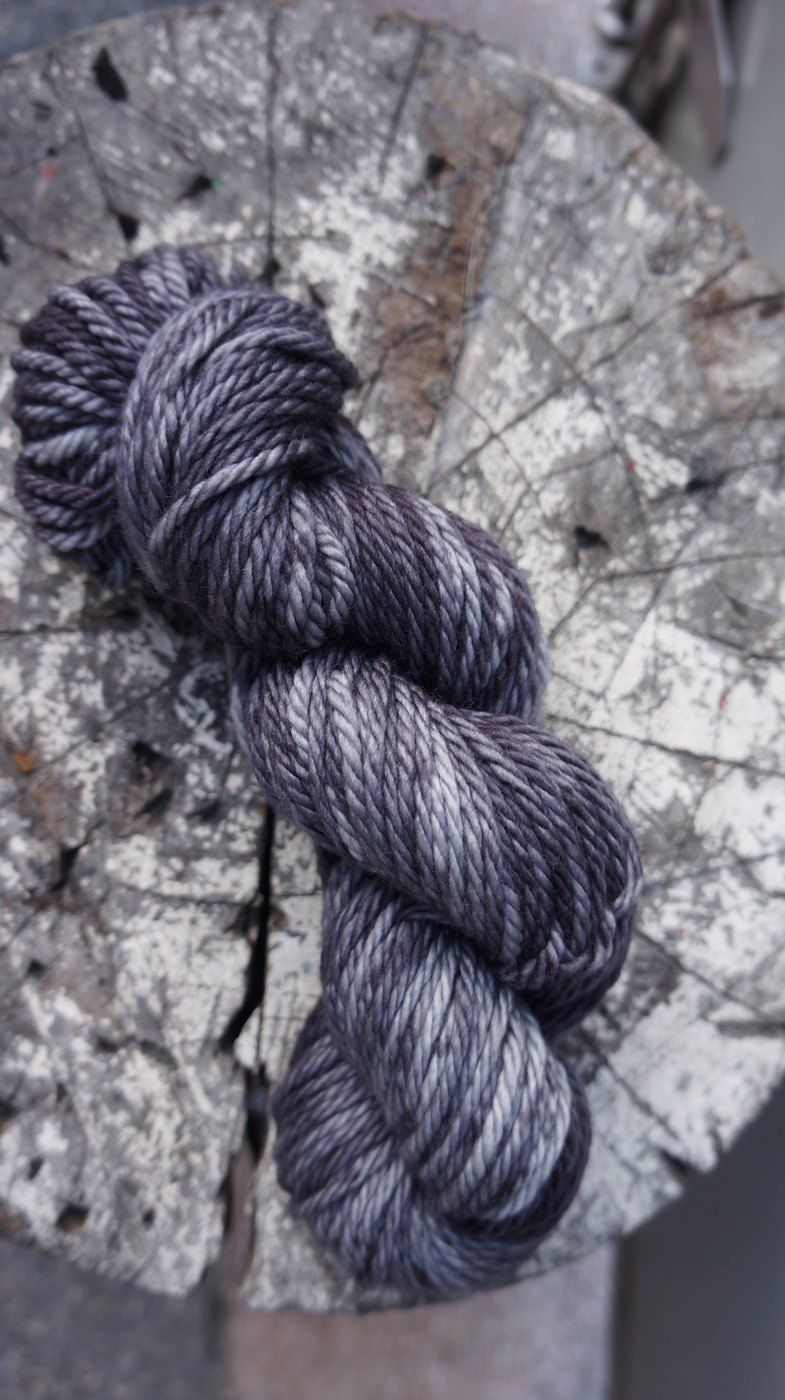 Hand dyed thread. Splash black (chubby merino)