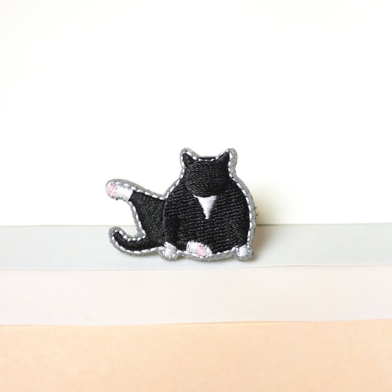 Black Cat Kitten Embroidery Pin brooch