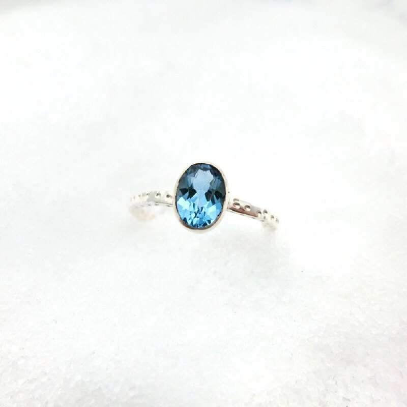 Blue Topaz 925 sterling silver round simple design ring