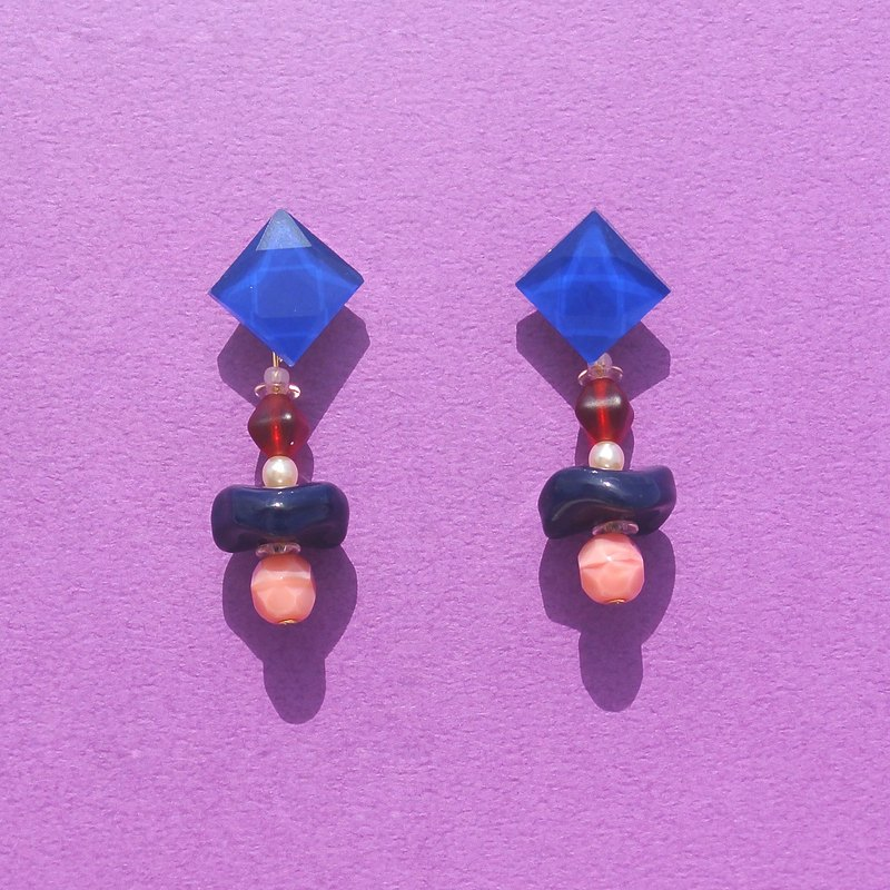 Saucer candy mosaic / small pearl / ink blue disc beads earrings
