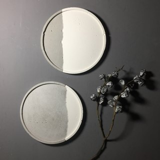 Couple - Large round concrete tray as desk organiser or accessories holder