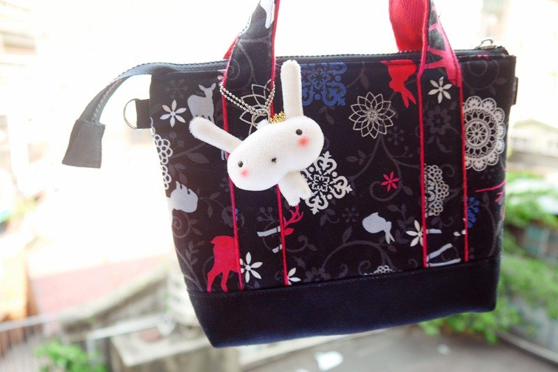 Bucute Alice Garden at any time slide mobile phone small bag / pink / birthday gift / travel abroad / exchange gifts / hand-made / Japanese imports of printed cloth