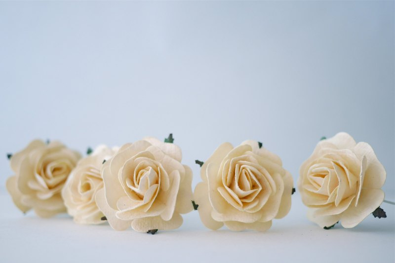 Paper flower,20 Pieces mulberry rose, 4.00 cm. Ivory color.