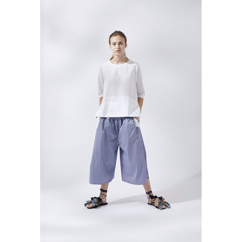 1901E06 multi-pleated style wide-mouth pants