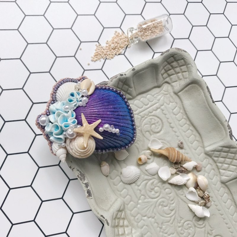 Mermaid series - magic moment / hand jewelry shells
