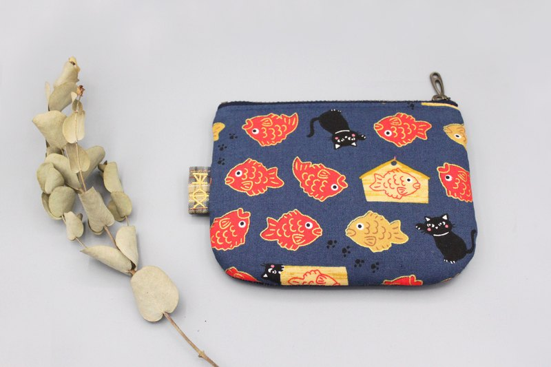Peaceful little bag - cat goldfish burning, Japanese cotton linen, small wallet