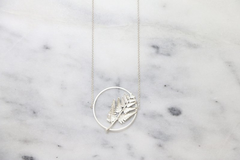 Frame Series Circle Fern Necklace