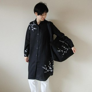 Linen · long shirt black <white plum>