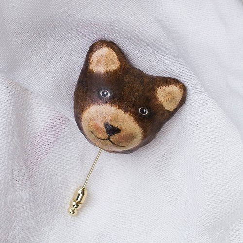 Bear brooch / animal heart needle