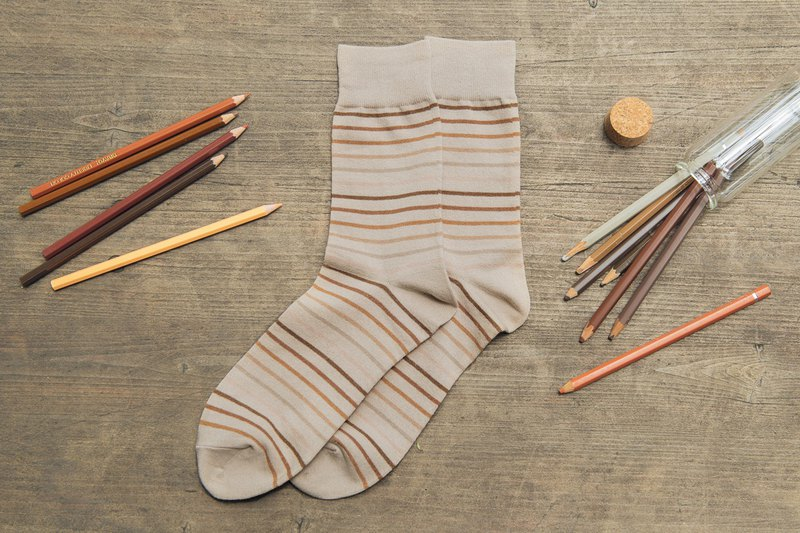 Lin Guoliang pencil stripe gentleman socks desert camel