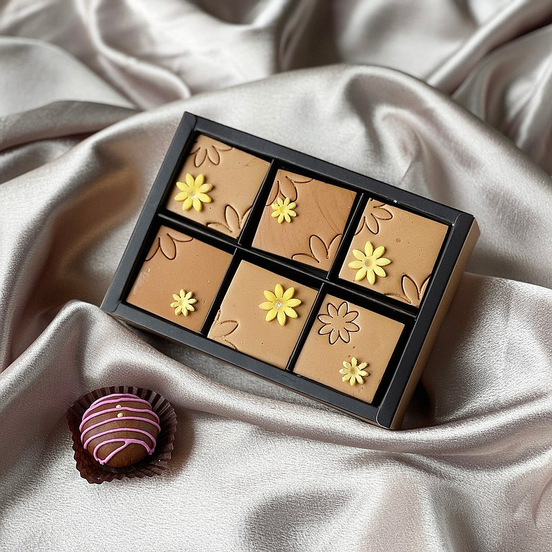 Cocoa flower ‧ six square chocolate soap gift box